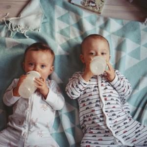 【セルフ授乳】三つ子の授乳の悩みと解決法